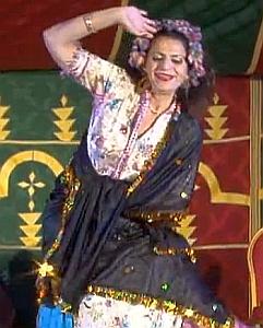 רקדנית בטן פיפי נס