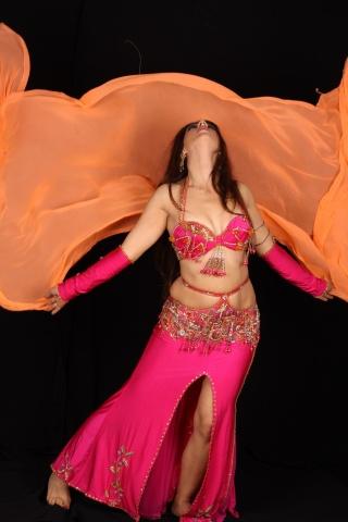 רקדנית בטן לאירוע