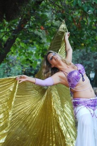 רקדנית בטן בכרמיאל