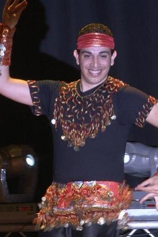 רקדן בטן גבר