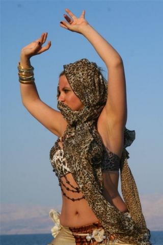 רקדנית בטן יעל לילה